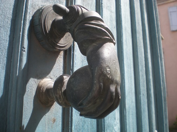 Door knocker for guest post piece