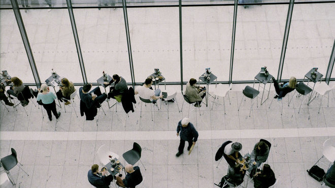 10 Tips on Networking Like a Pro at a Conference